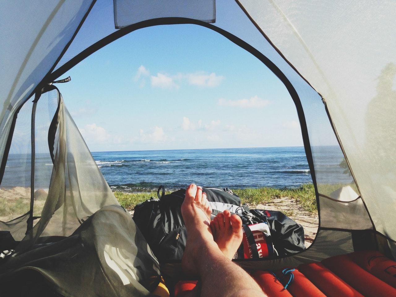 Naar de camping met het vliegtuig