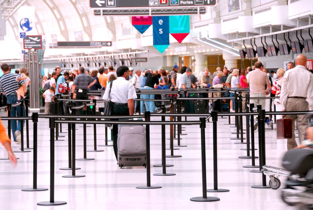 Ga vlot door de luchthavenbeveiliging op de luchthaven