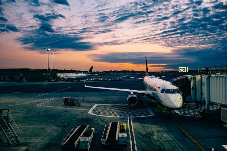 Mijn vlucht is geannuleerd, hoe zit het met de reisverzekering?